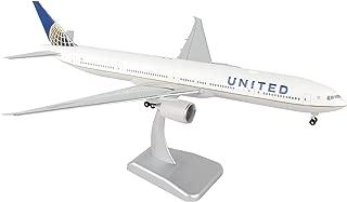 Daron Worldwide Trading Hogan United 777-300ER Vehicle with Gear & Wi-Fi Radome (1/200 Scale)