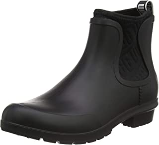 UGG Women's Chevonne Ankle Boot