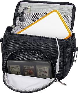 Orzly Travel Bag for Nintendo DS Consoles (Bolsa de Viaje para Consola Juegos y Accessarios) - Adapta TODOS Los Versiones de DS con Pantalla Plegable (Por ejemplo: DS / 3DS / 3DS XL / DS Lite / DSi / New 3DS / New 3DS XL / 2DS XL / etc pero no 2DS Modelo Version) - Bolso incluye: Correa para el Hombro Ajustable + Llevan la Manija + Fijación a un Cinturón - NEGRO