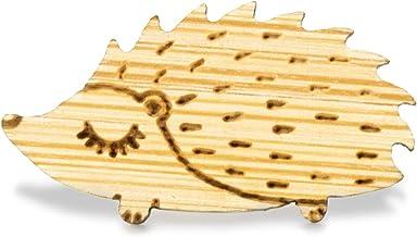 YUTTALIA 木製 ピンバッチ はりねずみ 針鼠 かわいい 木目 ナチュラル 木 ピンバッジ ピンズ ブローチ バッチ
