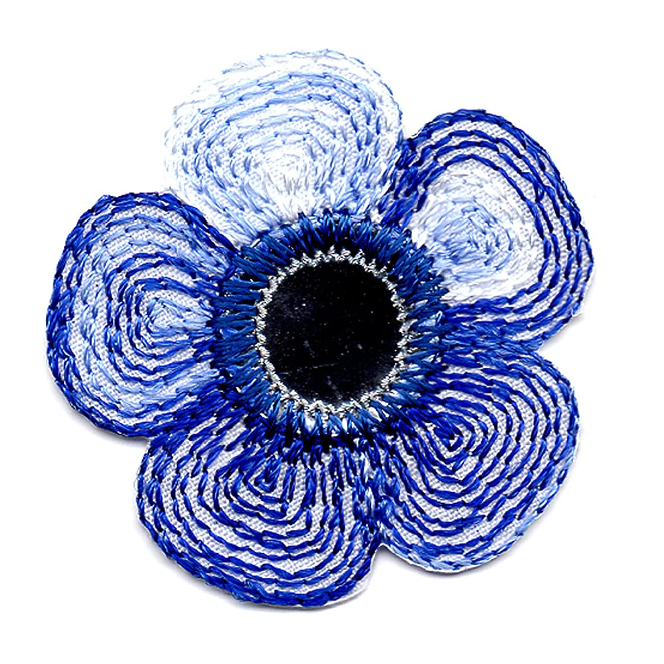 Venus Ribbon Iron-On Daisy with Mirror Applique, 4-Piece, 1 1/4-Inch by 1 1/4-Inch, Navy Multi with Silver