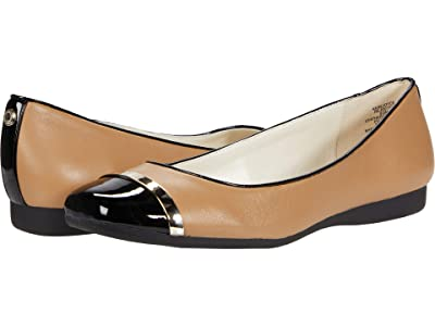 Anne Klein Rejoyce Flat (Latte/Black) Women