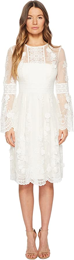 ML Monique Lhuillier - Long Sleeve Lace Scallop Edge Dress