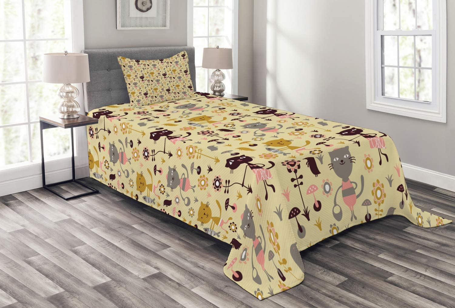 Ambesonne Cat Bedspread Tulsa Mall Feline Animals Fish Flowers Holding and Purchase