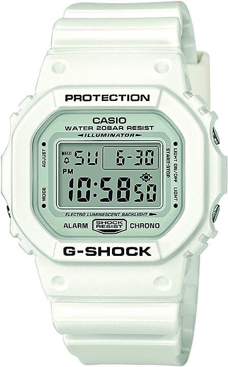 Orologio g-shock casio 20 bar, con ricezione segnale radio e funzione solare, digitale, uomo DW-5600MW-7ER