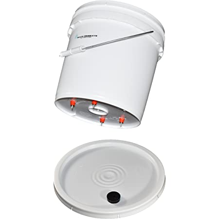 BAFX Products - 2 Gallon Chicken - Poultry - Fowl Watering Bucket & Lid w/ 4 Nipples