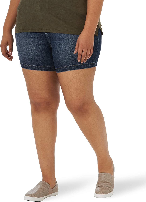 Lee Women's Plus Size Legendary Regular Fit High Rise Short