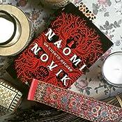 UN CUENTO OSCURO: Amazon.es: Naomi Novik: Libros