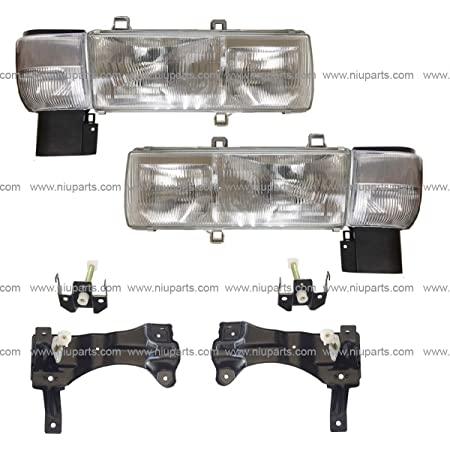 Driver side WITH install kit LED -Black 6 inch 2007 UD 1800CS Post mount spotlight