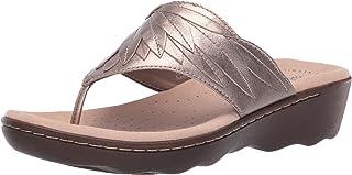 c26f6e70089 Amazon.com  CLARKS - Flip-Flops   Sandals  Clothing