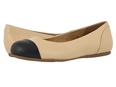 SoftWalk Sonoma Cap Toe (Ivory/Black) Women