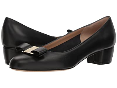 Salvatore Ferragamo Vara Bow Pump (Nero 1) Women