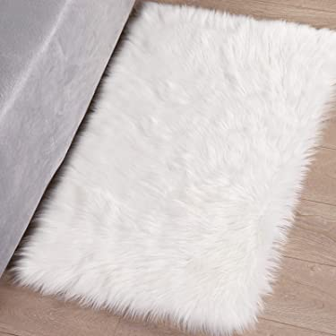 Syntus Faux Fur Area Rug, 2 x 3 Feet Rectangle Beige Indoor Carpet Ultra Soft Fluffy for Chair Couch Cover Bedroom Floor Sofa Living Room