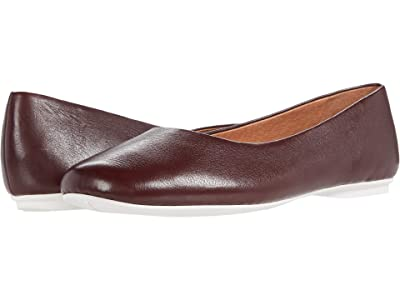 Gentle Souls by Kenneth Cole Eugene Travel Ballet (Plumberry Leather) Women