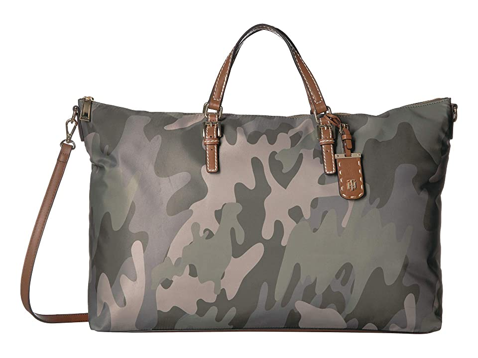 Tommy Hilfiger Julia Camo Weekender (Green/Multi) Handbags