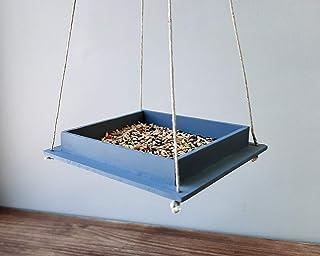 Comedero colgante para pájaros de madera gris