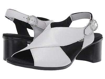 Munro Laine (Off-White Leather) Women