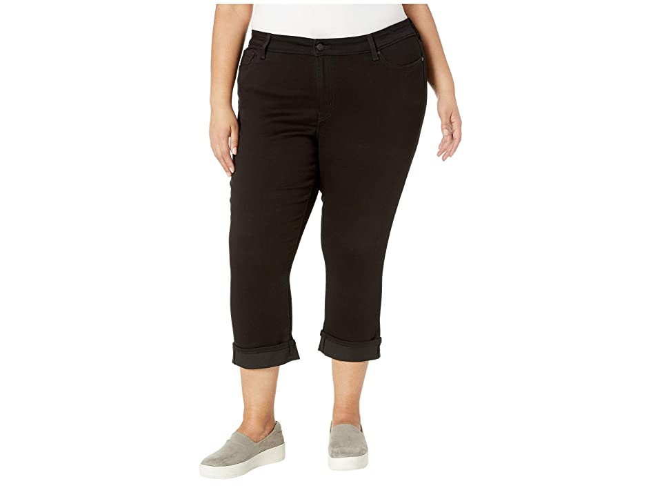 Signature by Levi Strauss & Co. Gold Label Plus Size Mid-Rise Capri Jeans (Noir) Women