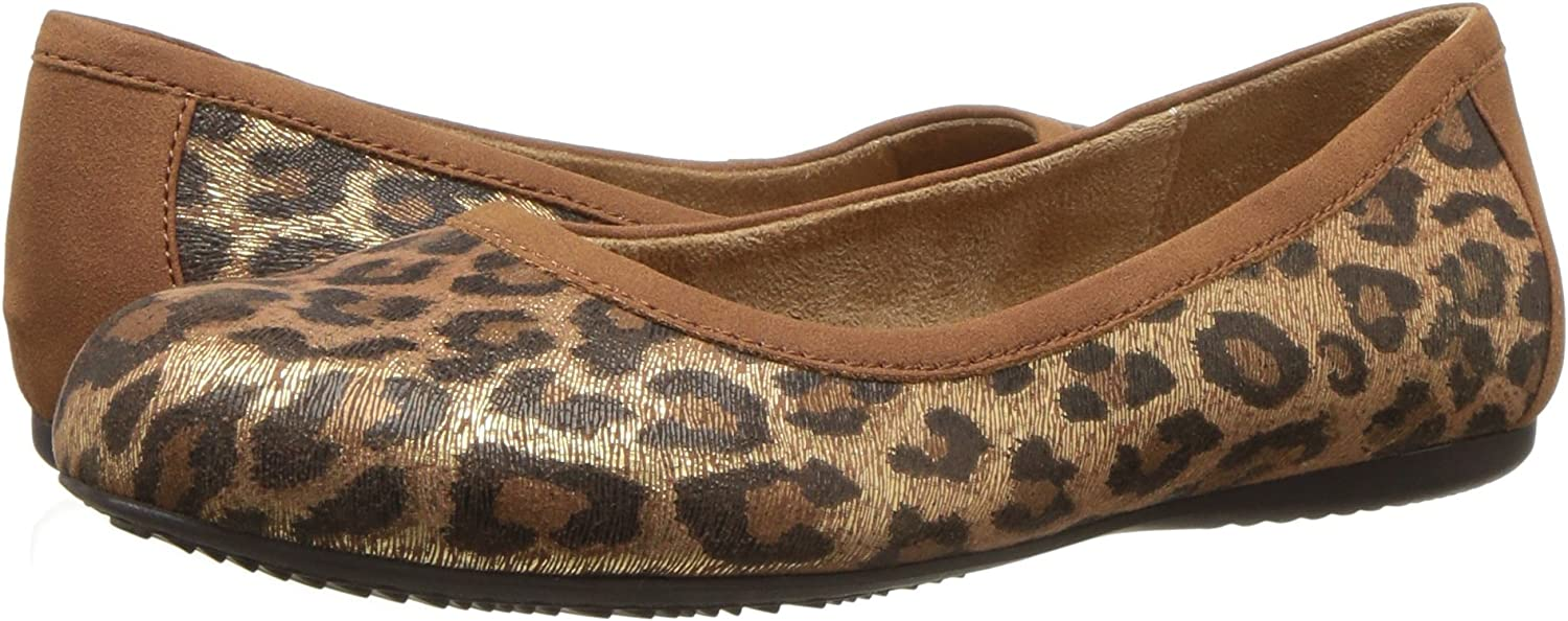 SoftWalk Womens Napa Ballet Flat