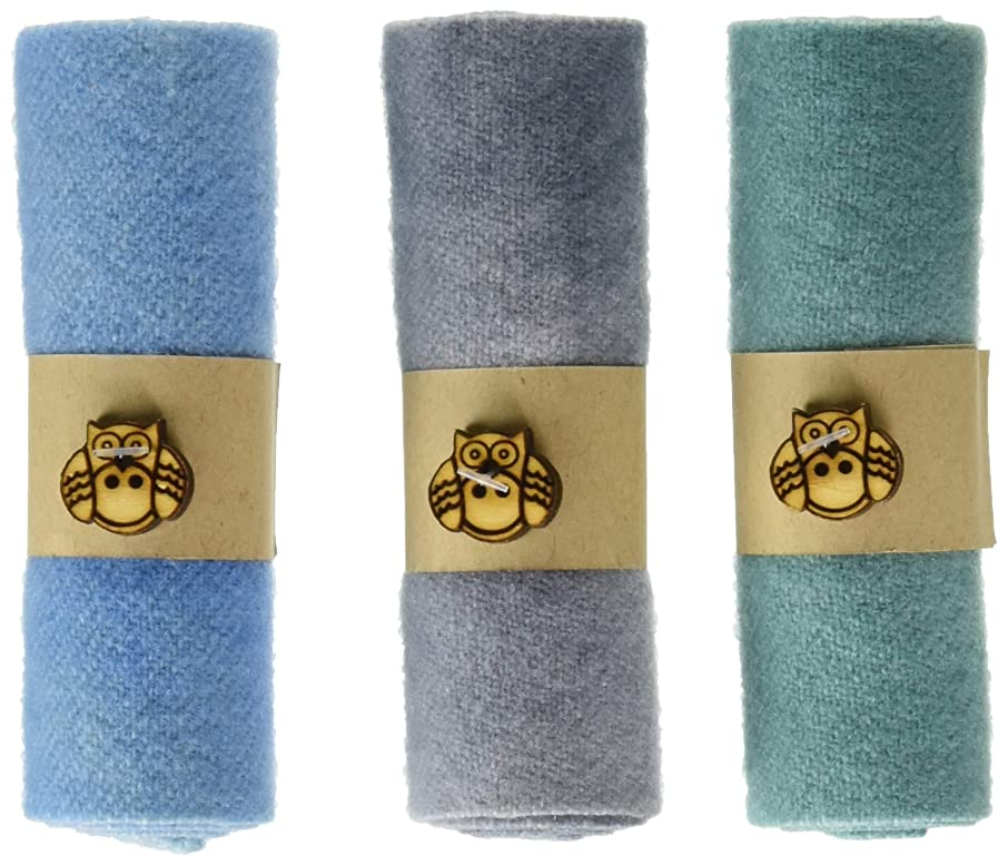 In The Patch Designs WCL2250 Curlers Wool Fabric, Blues