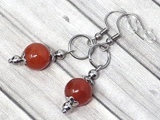 Orecchini da donna in acciaio inossidabile con anelli e perle di corniola rossa