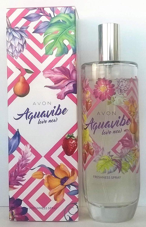 レディホイスト暖かくAVON Aquavibe Love Now Freshness Spray for Her 100ml-3.4fl.oz.