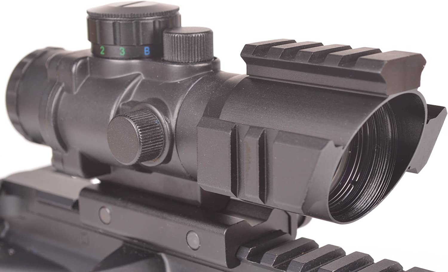 Review On Ozark Armament 4x Magnified Optic Riflescopes (Updated)