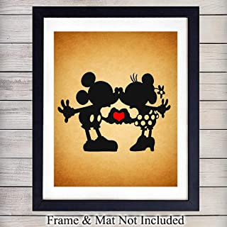 Mickey Mouse and Minnie Mouse in Love Wall Art Print - 8X10 Vintage Unframed Photo - Perfect Gift For Walt Disney Fans, Great For Home Decor