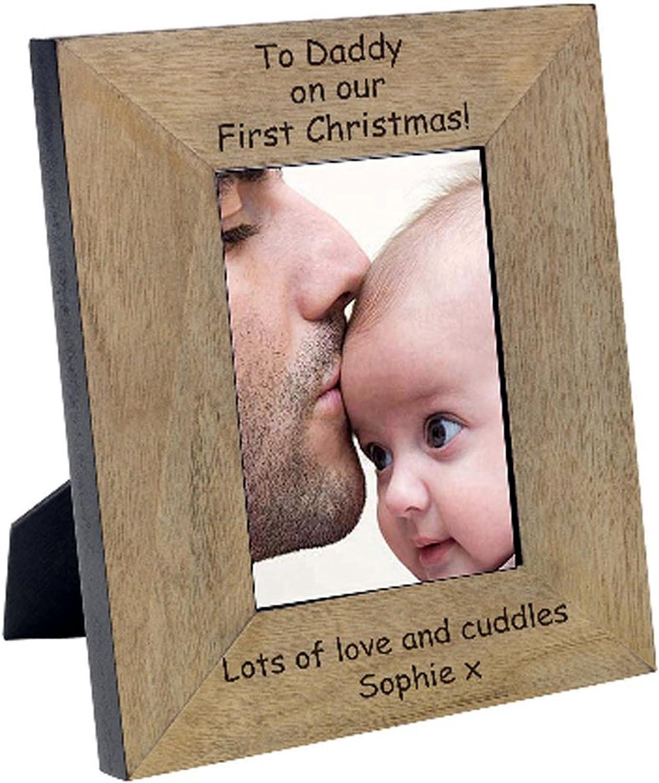 Eine hohe Qualität Finish Eiche Furnier Holz Holz Holz Rahmen. Das Oberteil ist Graviert mit  To Daddy On Our First Christmas.  (12,7 x 17,8 cm Hochformat) B01MXK6N30 | Treten Sie ein in die Welt der Spielzeuge und finden Sie eine Quelle des Glücks  08898f