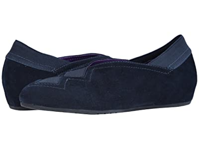 Vaneli Pandy (Navy Suede/Match Elastic) Women