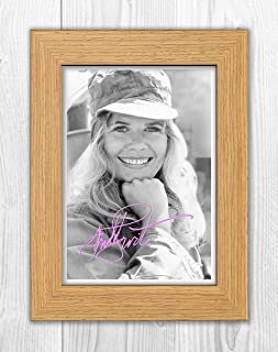 Engravia Digital Loretta Swit Reproduction Autograph Poster Photo A4 Print (Oak Frame)