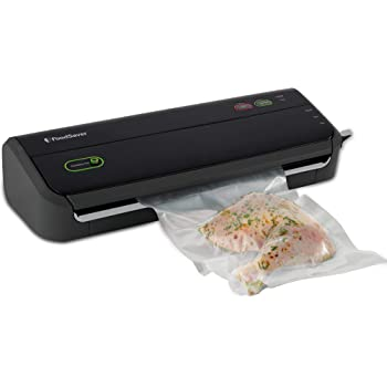 FoodSaver FM2000 Vacuum Sealer Machine with Starter Bags & Rolls | Safety Certified | Black - FM2000-FFP