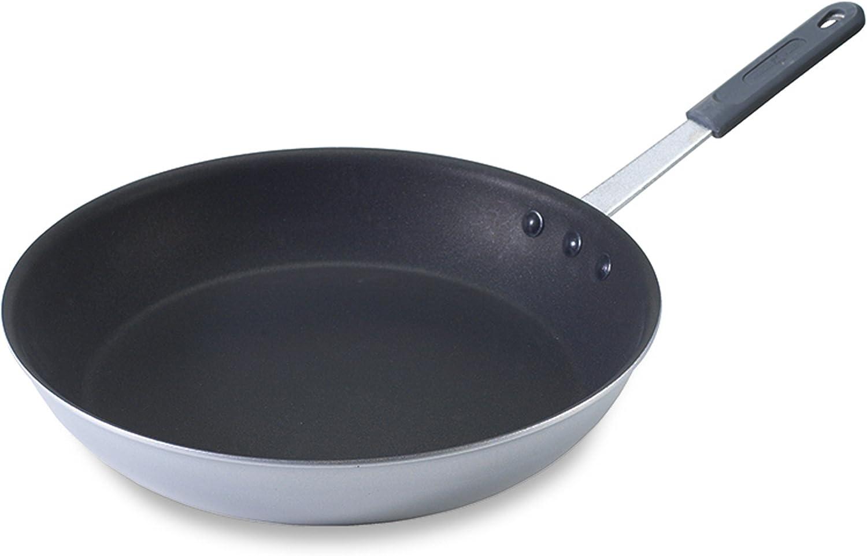 Nordic Ware Restaurant Cookware 14.5 Inch Skillet