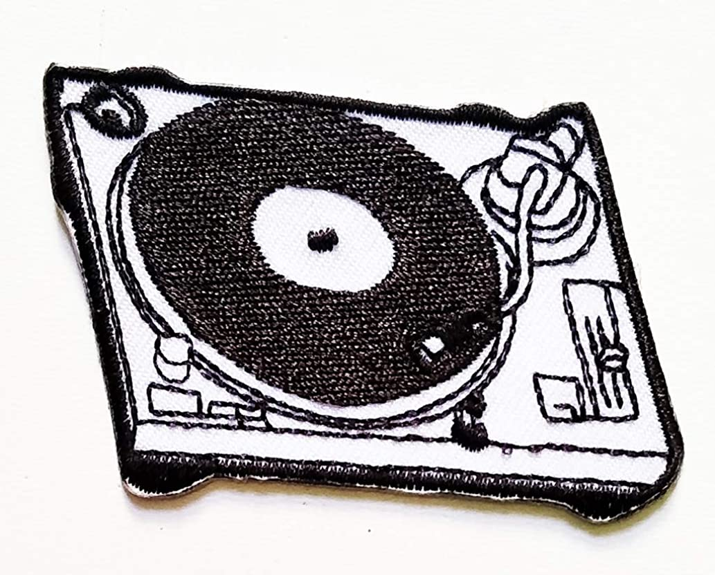PP Patch White Cassette Tape Retro Seventies Music Cartoon Embroidery DIY Patch Applique Embroidered Sew Iron on Patch Jackets Bags Jeans T-Shirt Backpacks Costume