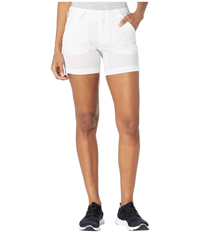 Columbia  Coral Pointtm III Shorts (White) Womens Shorts