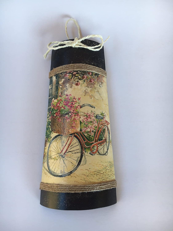 teja decorativa con adorno de bicicleta vintage