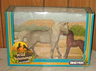Breyer America's Wild Mustangs, Dapple Grey Mare and Bay Foal