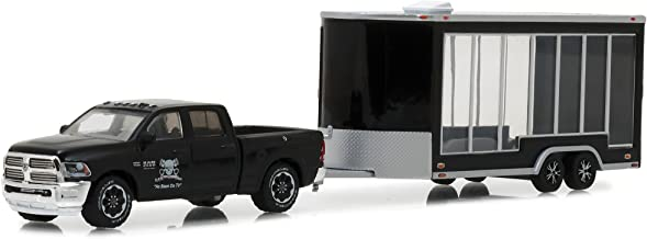Greenlight 1:64 2016 Ram 2500 and Glass Display Traile Die Cast Vehicle