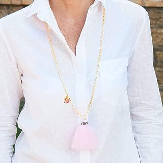 Lange Halskette Frau Schmuck mit Goldkette und Anhänger quaste frasen Tüll Farbe rose.