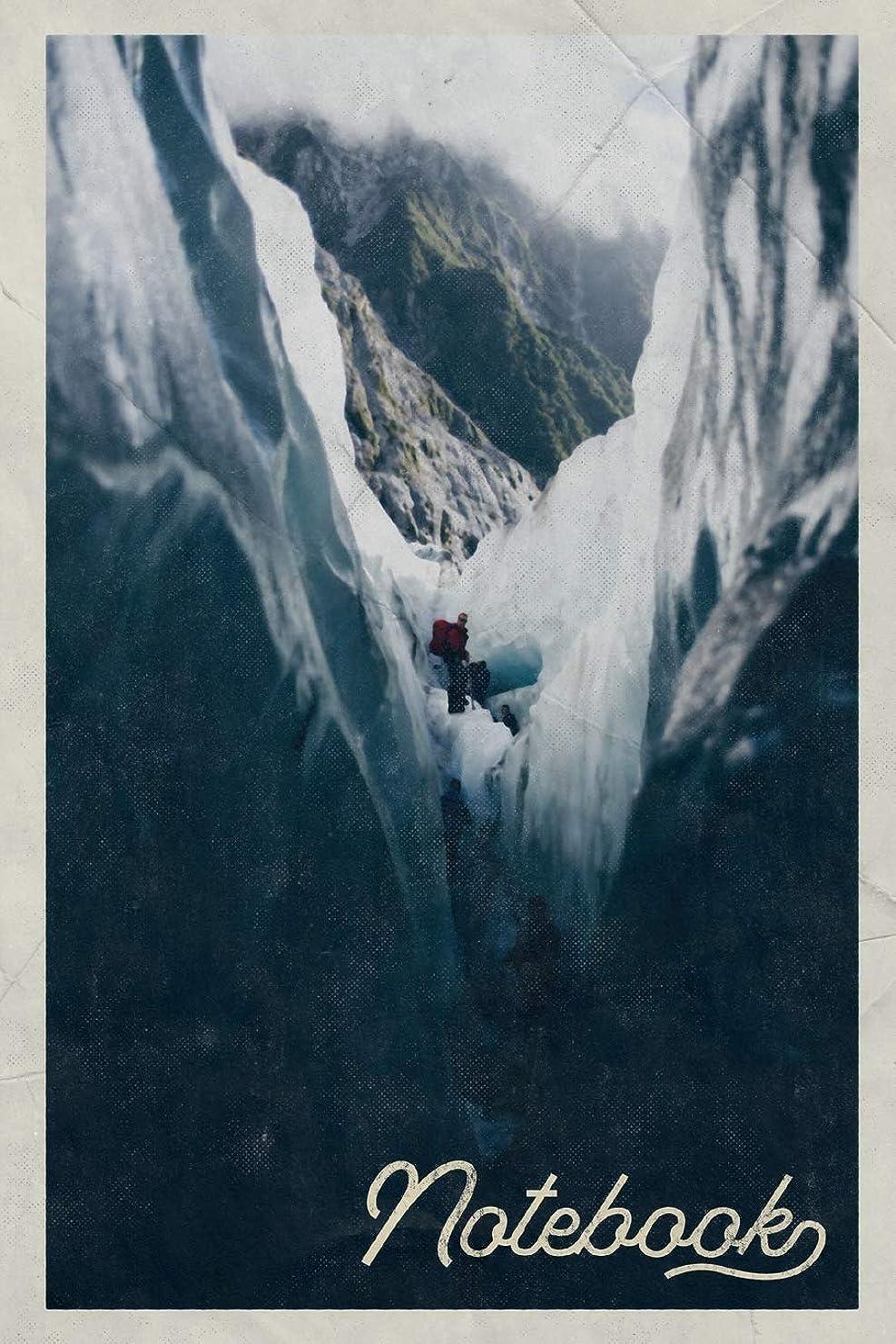 測定可能バストひそかにNotebook: Alpinism Equipment Excellent Composition Book Journal Diary for Men, Women, Teen & Kids Vintage Retro Design Ice Climbing Experts