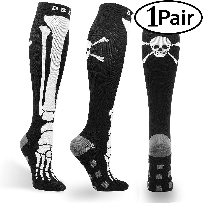 Double Couple Compression Socks for Men & Women 2030 mmHg Medical Graduated Compression Stockings for Sports Running Nurses Shin Splints Diabetic Flight Travel Pregnancy Varicose Veins (Skull and Crossbones S M)