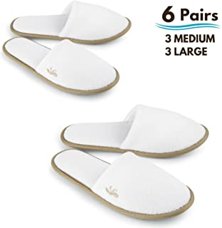 BERGMAN KELLY Spa Slippers, Closed Toe (White, Cocoa Trim, 6 Pairs- 3 Large, 3 Medium) Disposable Indoor Hotel Slippers for Men and Women, Fluffy Coral Fleece, Deluxe Padded Sole for Extra Comfort