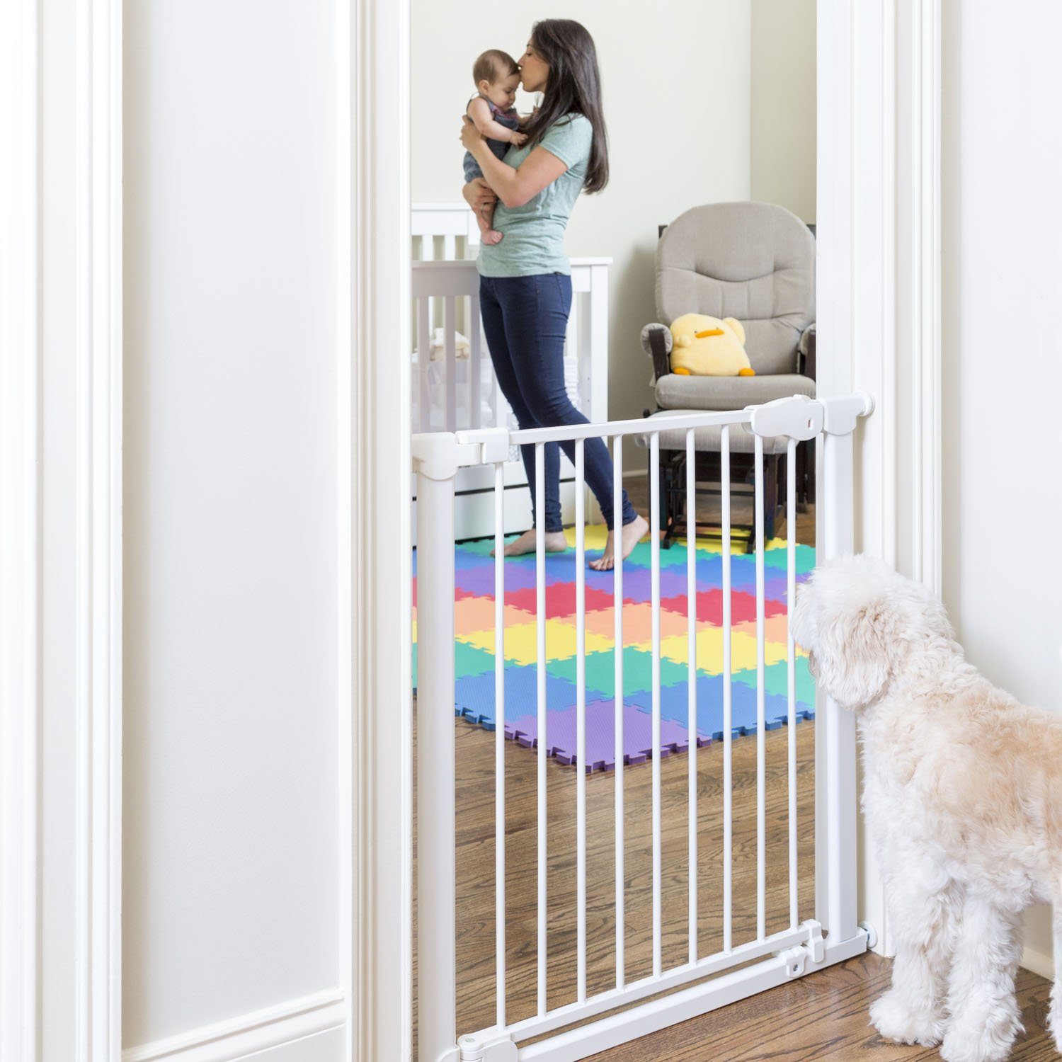 Qdos Safety Baby Gate, Professional Grade Meets Tougher European Standards, Automatically Closes & Latches, Magnetic Lock Indicator, Easy Installation, Pressure Mount, White