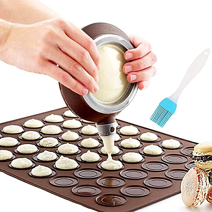 555 opinioni per Nifogo Stampo Silicone per Macaron, 48 capacità, Antiaderente, per Torte, con 4