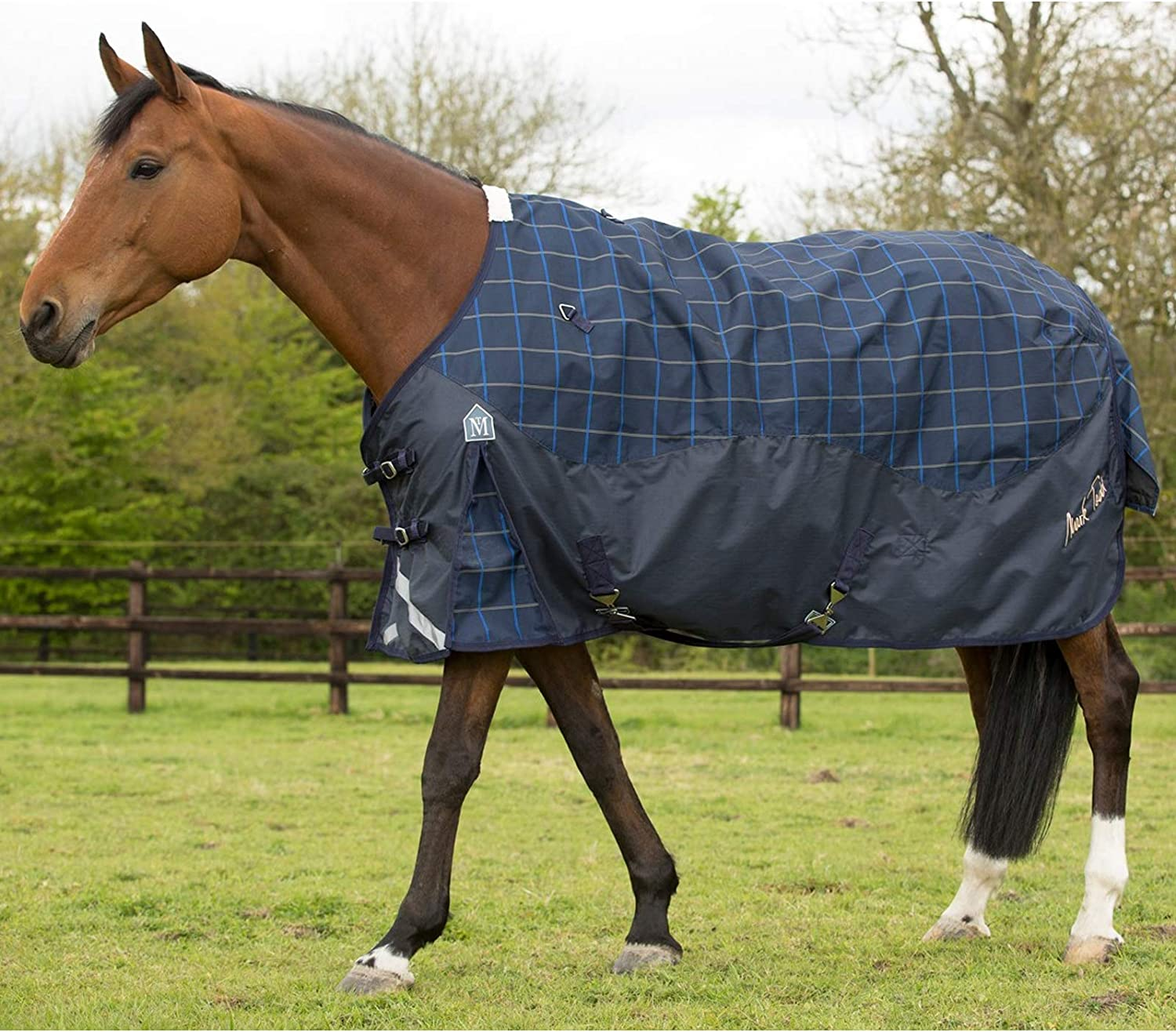 Mark Todd 600 Denier Lightweight Horse Turnout Rug Waterproof & Breathable (Navy Beige Royal Plaid  6' 9 ) and Tigerbox Antibacterial Pen