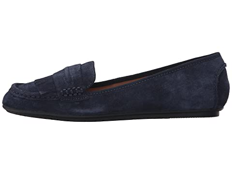 Kenneth Cole Reaction Bare-Ing Navy Suede