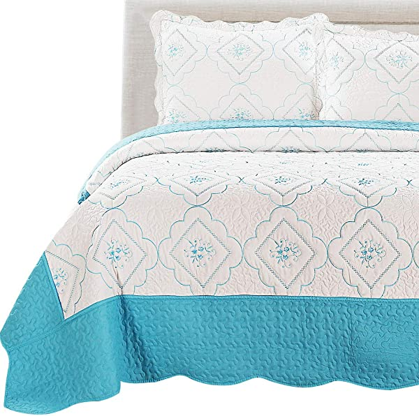 3Pcs Summer Bedspreads Full Queen Size Embroidery Floral Quilts Lightweight Coverlet Set Reversible Quilts Set White Blue