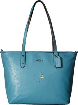 COACH - Snoopy City Zip Tote