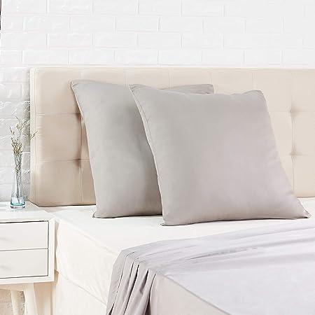 Amazon Basics Taie d'oreiller en satin - 65 x 65 cm x 2, Gris foncé