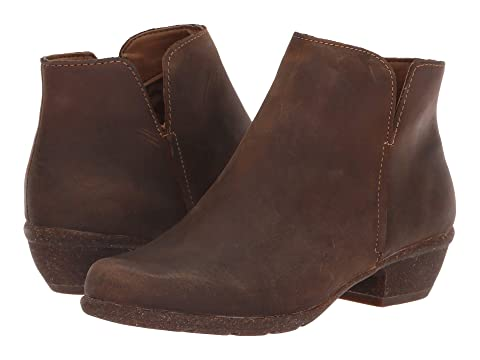 ce160c76c76 Clarks Wilrose Frost at Zappos.com